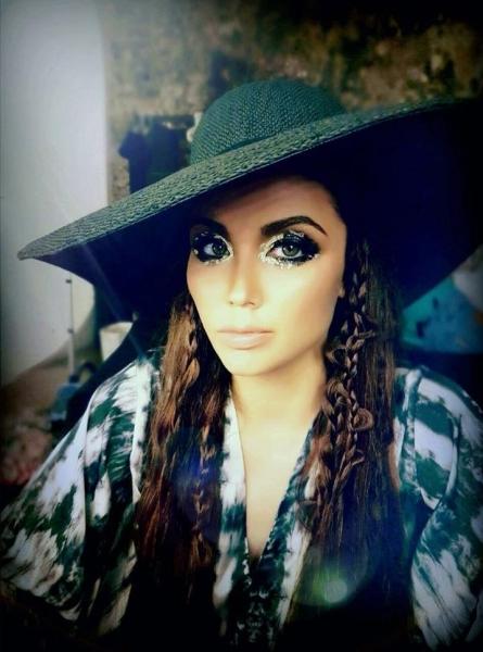Ляйсан Утяшева поразила новым стилем и макияжем