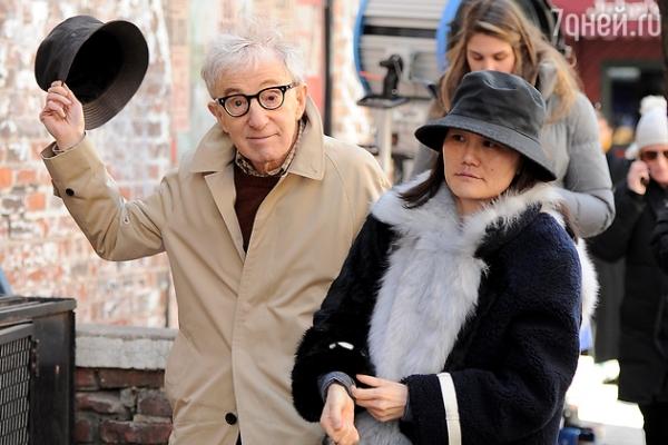 80-летний Вуди Аллен считает, что осчастливил свою 44-летнюю жену.