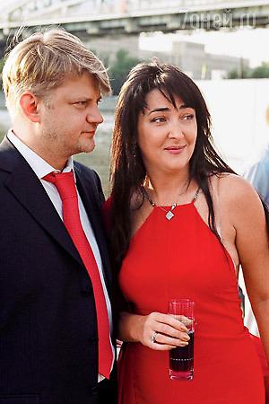 Лолита Милявская поблагодарила бывшего мужа за квартиру