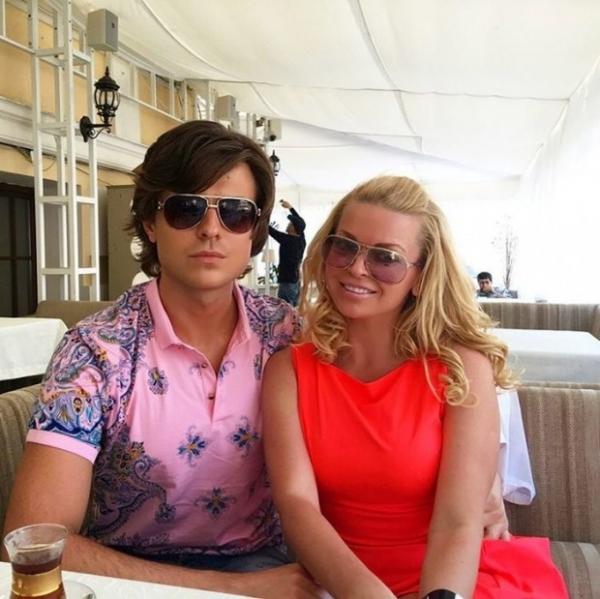 Прохор Шаляпин отдыхает с новой девушкой