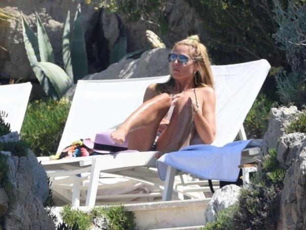 Хайди Клум отдохнула от бойфренда в одиночестве в Каннах