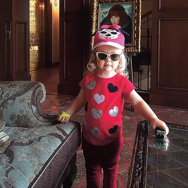 Алла Пугачева переезжает с детьми в дом без окон