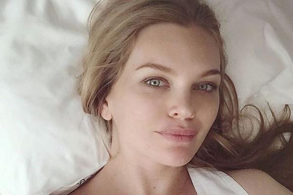 Модель Елена Кулецкая стала мамой