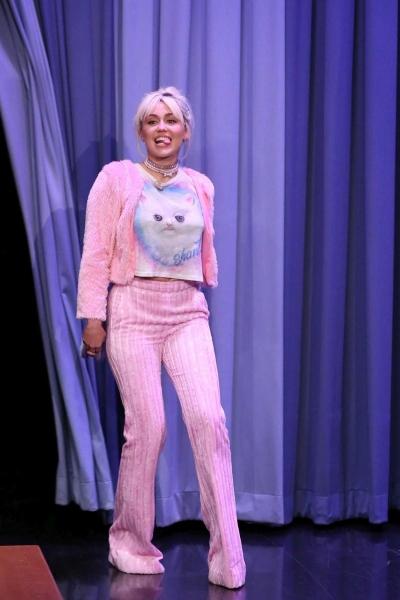 Майли Сайрус удивила всех в ночном шоу Джимми Фэллона