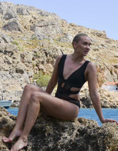 Ксана Сергиенко устроила каникулы в Греции