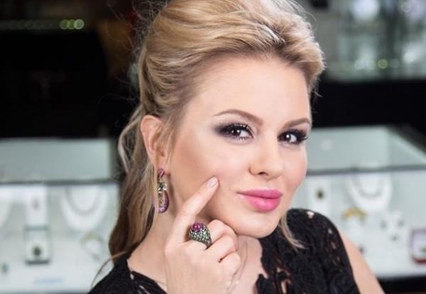 Анна Семенович раскрыла секрет своих «выдающихся привлекательностей»
