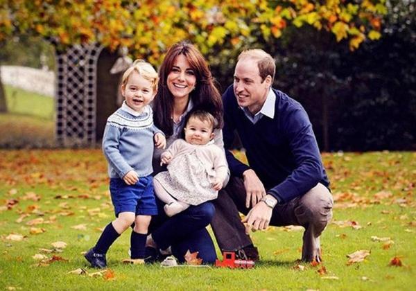 В сети появились новые фото юной принцессы Шарлотты