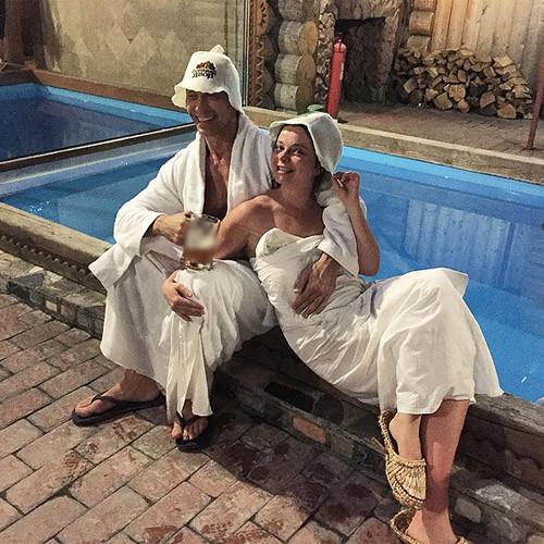 В сеть вновь попали интимные фото Королевой и Тарзана
