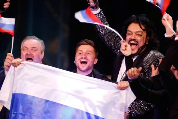 Звезды просят дать Лазареву народного артиста