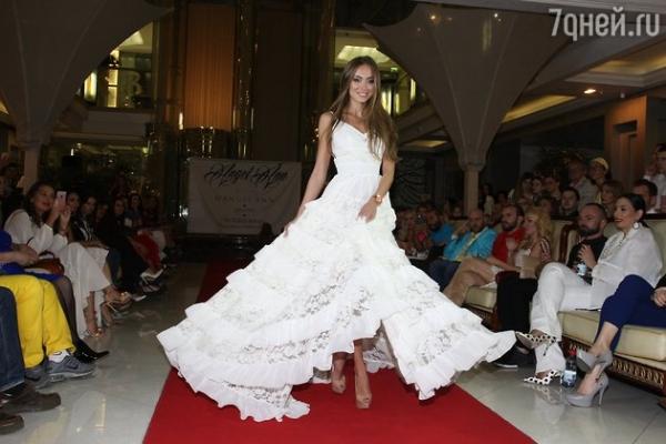 Виктория Боня стала модельером