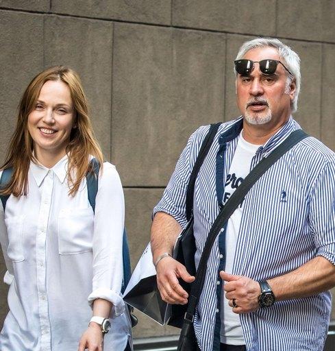 Валерий Меладзе и Альбина Джанабаева сбежали в Нью-Йорк
