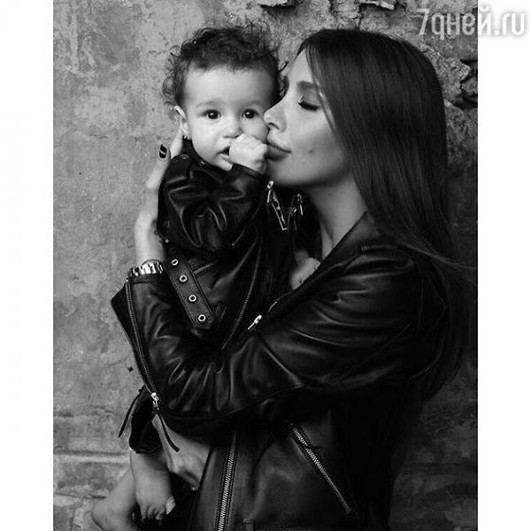 Кети Топурия впервые показала дочь
