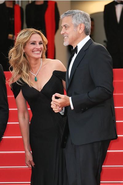 Трое в Каннах: Джулия Робертс с Джорджем и Амаль Клуни