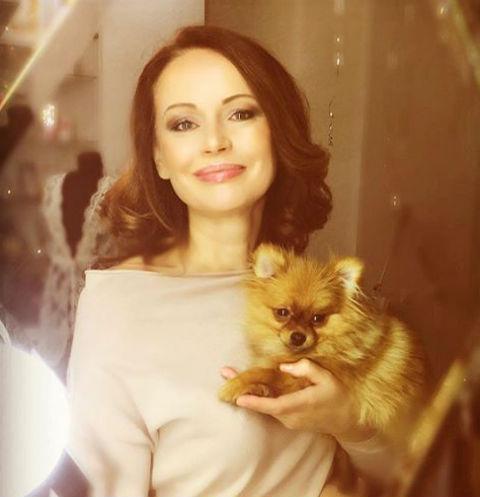 Ирина Безрукова получает удовольствие от общения с мужчинами