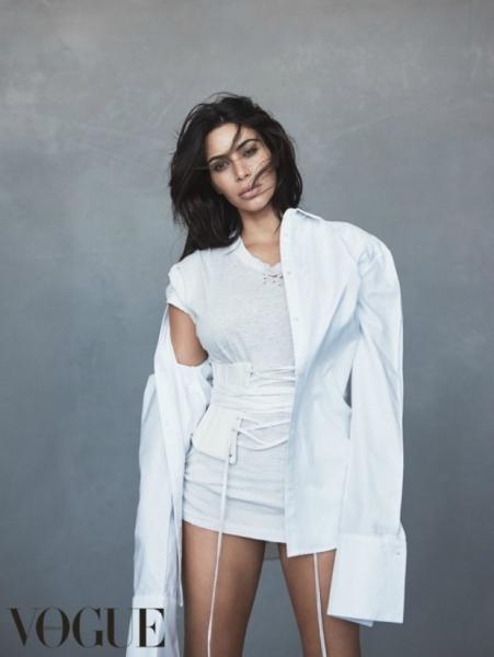 Ким Кардашьян появилась на обложке Vogue