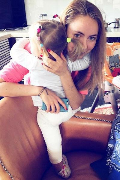 Татьяна Навка боялась, что старшая дочь не примет младшую
