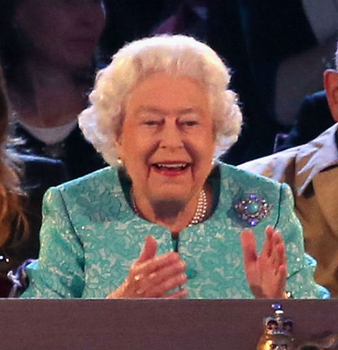 Королева Елизавета II повеселилась на праздновании 90-летия