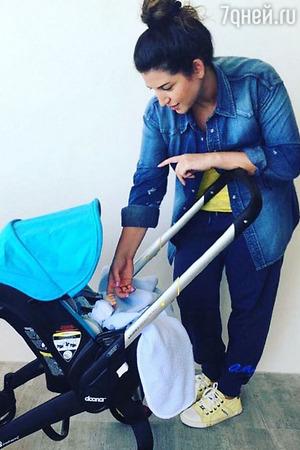 У новорожденного сына Жасмин первые достижения