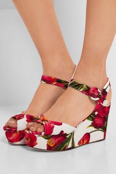 Цветочные ретро-принты в новой коллекции Dolce & Gabbana