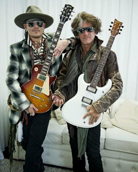 Джонни Депп выступил на рок-фестивале в Португалии и занялся благотворительностью