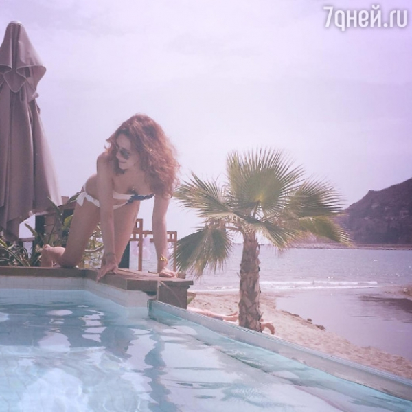 Екатерина Климова потрясла фанатов фотосессией в бикини