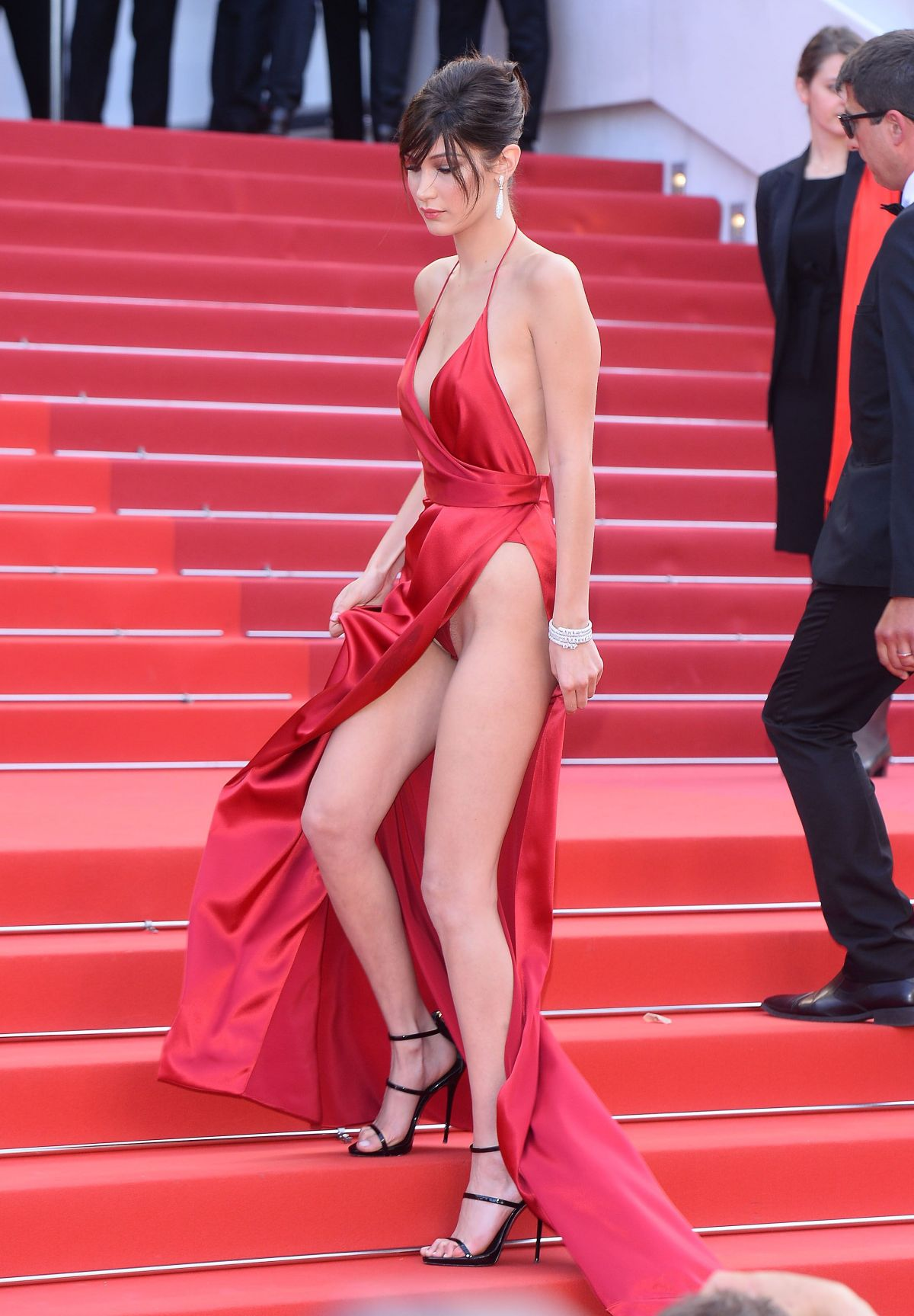 Model Bella Hadid flashed her underwear in Cannes ...