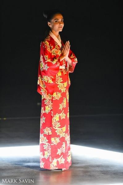 Певец Джиган представил яркий клип на песню «Должен сиять» из нового альбома ДЖИГА