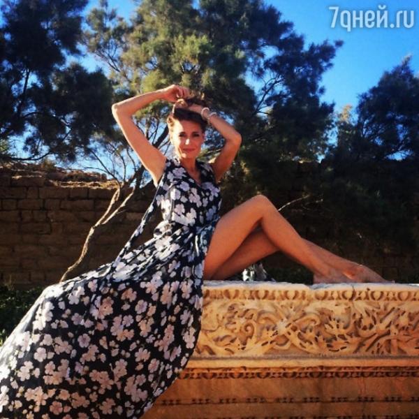 Любовь Толкалина сфотографировалась полуобнаженной