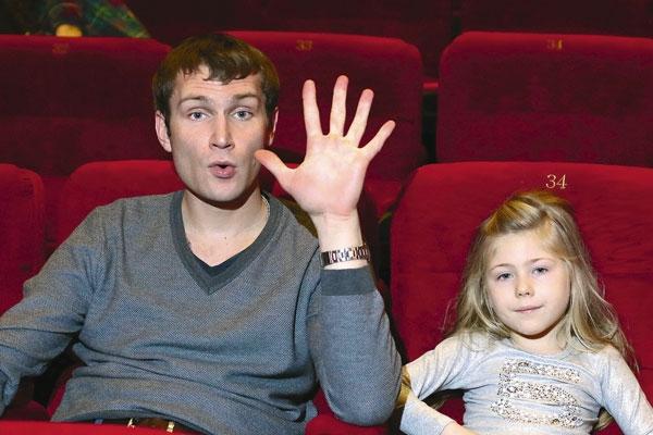 Звезда сериала «Реальные пацаны» Николай Наумов стал многодетным отцом
