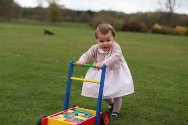 Дочь Кейт Миддлтон стала фотомоделью в канун дня рождения