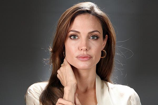 Профессор Джоли-Питт: актриса будет преподавать в Лондонской школе экономики