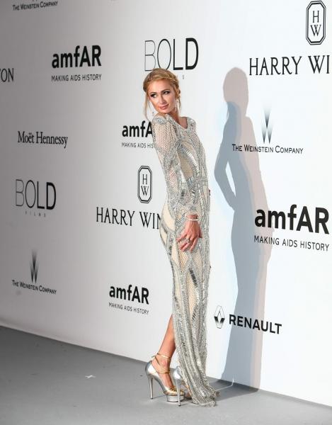 Пэрис Хилтон участвовала в благотворительном гала-вечере Amfar