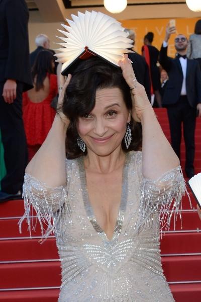Жюльет Бинош почтила своим присутствием на Каннском кинофестивале