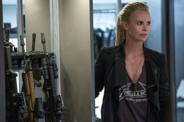 "First look at the villain Charlize Theron in the Thriller ""fast & furious 8"""