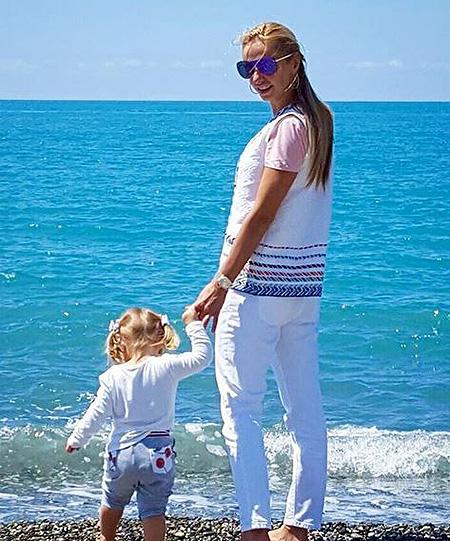 Татьяна Навка и Дмитрий Песков с детьми отдыхают в Сочи
