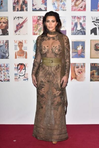 Соблазнительная Ким Кардашьян на гала-ужине 100-летнего юбилея Vogue