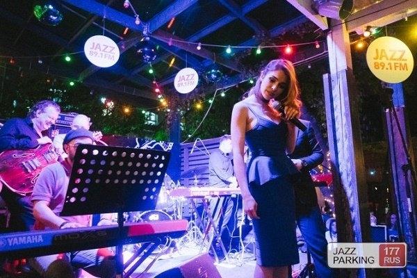 На сцене летней веранды Jagger открыт Jazz Parking Festival