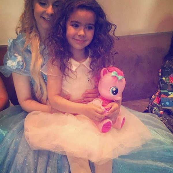 Ани Лорак устроила дочери вечеринку в стиле Дисней