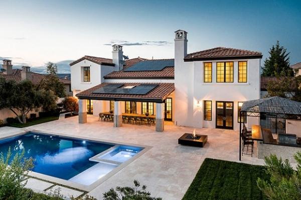 Кайли Дженнер продает свой дом за четыре миллиона долларов