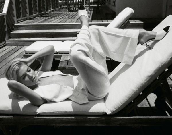 Сиенна Миллер стала главной героиней журнала PORTER