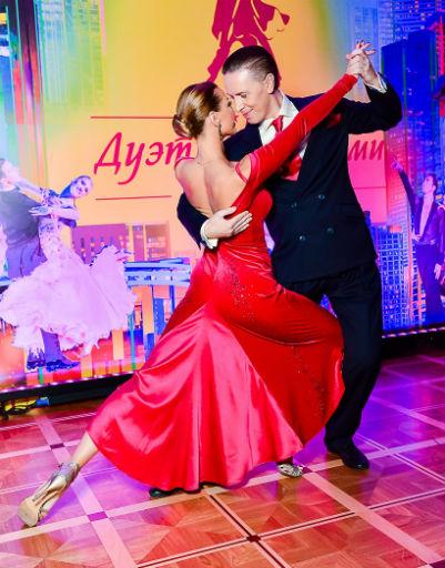 Оксана Федорова и Анжелика Агурбаш зажгли под ритмы самбы