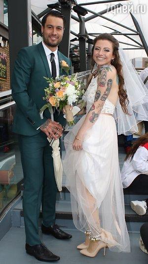 Звезда «Властелина колец» репетирует свою пятую свадьбу