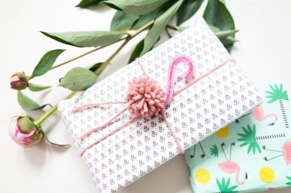 Как оригинально украсить подарок