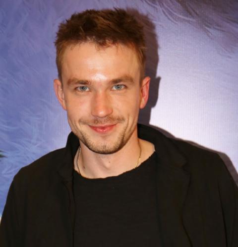 Александр Петров больше не скрывает отношений с актрисой