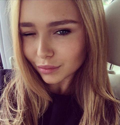 Стеша Маликова извиняется перед родителями за трудный возраст