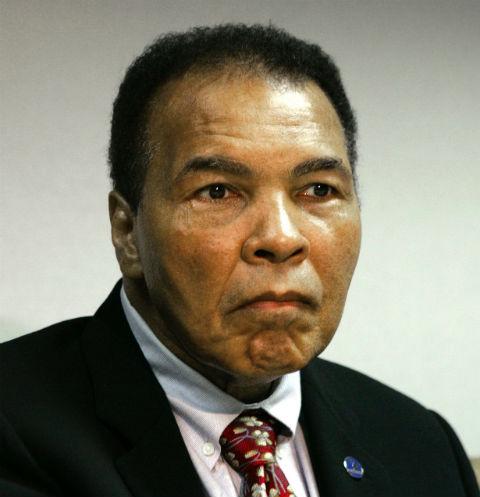 СМИ сообщают, что Мохаммед Али при смерти