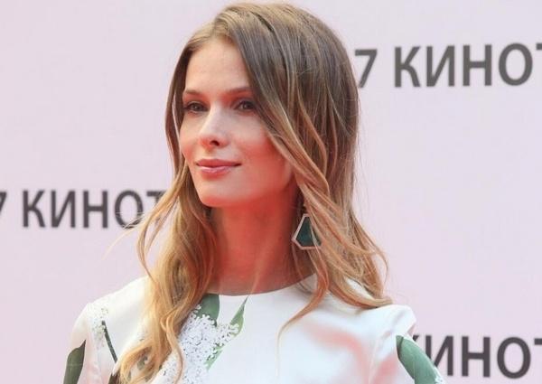 Светлана Иванова удивила сменой имиджа, став похожей на Бриджит Бардо