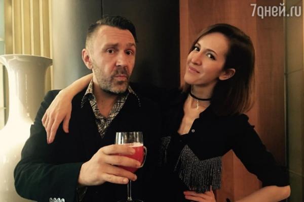 Сергей Шнуров поделился пикантными подробностями семейной жизни