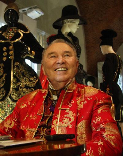 Костюмы Вячеслава Зайцева впервые выставили в Эрмитаже