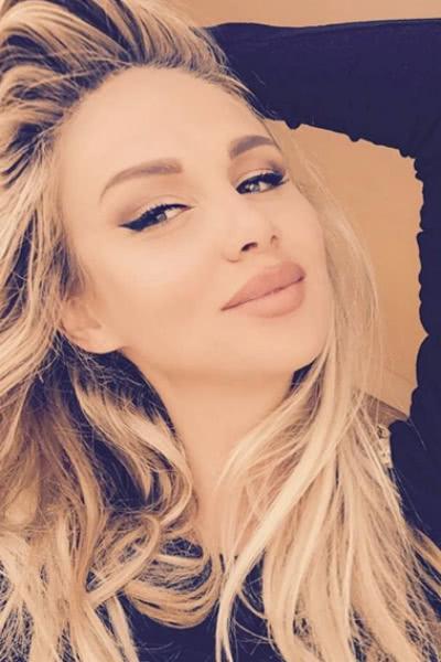 Виктория Лопырева ответила на обвинения в пластике